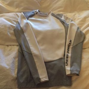 Under Armour compression long sleeve great shape